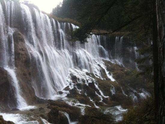 Jiuzhaigou Natural Reserve: NuoRiLang Waterfall