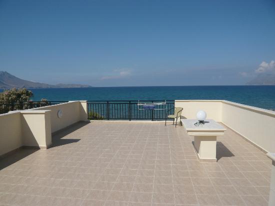 Mesogios Beach: Vista dal terrazzo della camera