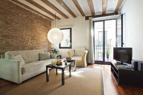 Inside barcelona apartments esparteria updated 2018 for Apartment inside