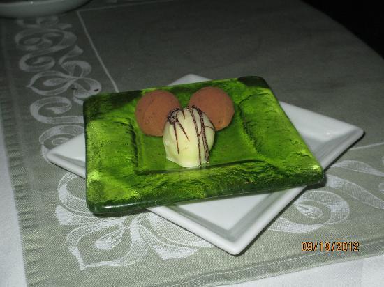 Rossmount Inn Restaurant: Desert Truffles