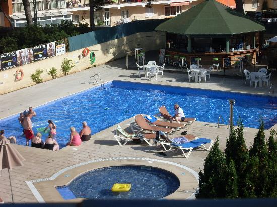 Apartamentos Inn: lovely pool area