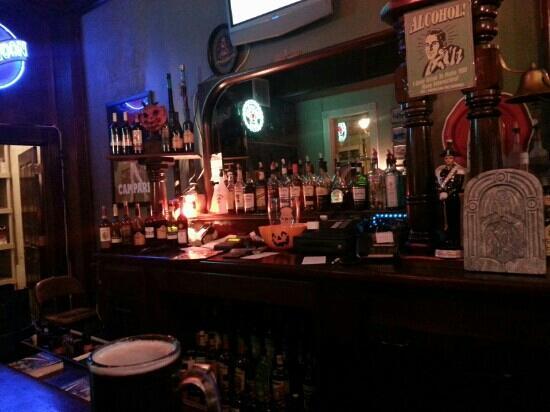 Ione Hotel: Bar