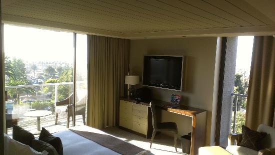 Hotel La Jolla, Curio Collection by Hilton: King Corner Room