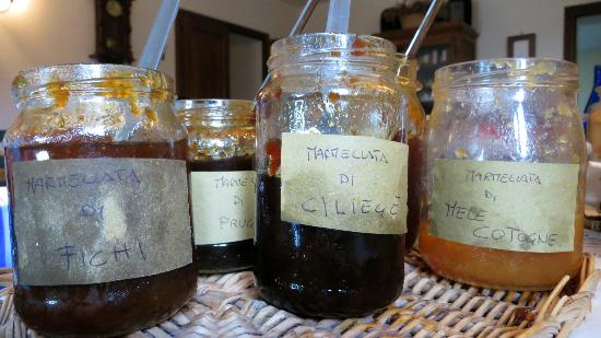 Agriturismo Cioccoleta: the home made jam for breakfast