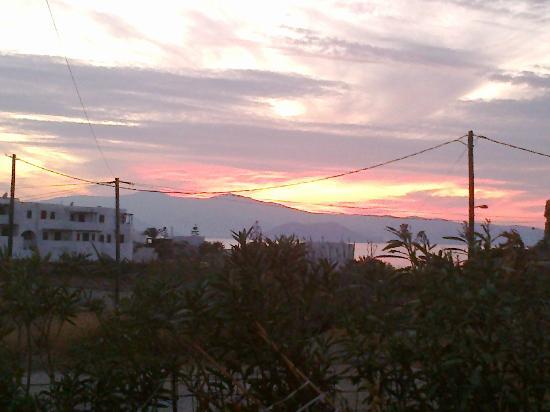 "Naxos Kalimera Hotel: HOTEL ""NAXOS KALIMERA"" η θέα απο το μπαλκόνι μου."