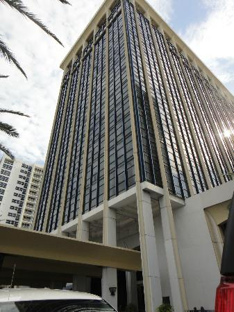 Miami Beach Resort and Spa: El Edificio
