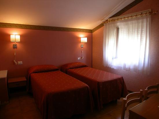 Hotel il Roscio: camera a due letti