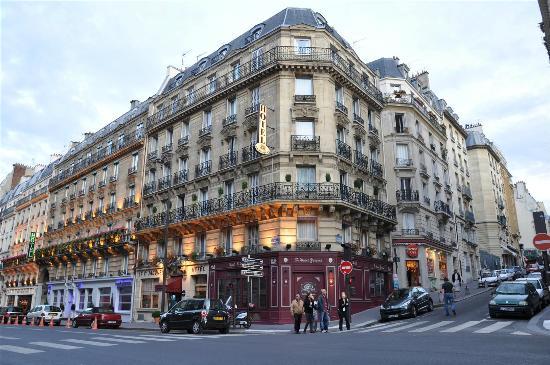 Hotel Saint-Jacques: View from across Rue des Ecoles