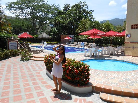 Hosteria Tonusco Campestre: jacuzzi y piscina