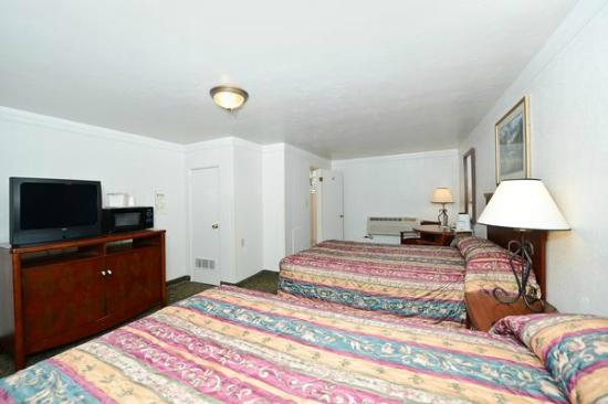 Americas Best Value Inn & Suites Canon City : Room