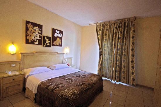 Hotel Clinton: CAMERA MATRIMONIALE CON BALCONE