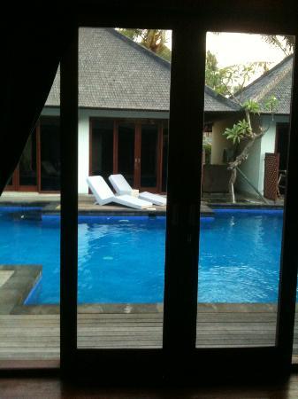 Luce d'Alma Resort & Spa: Entrata a bordo piscina 