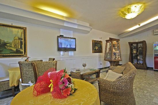 Hotel Clinton: SALA BAR