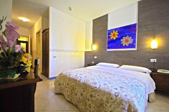 Hotel Clinton : CAMERA MATRIMONIALE USO SINGOLO
