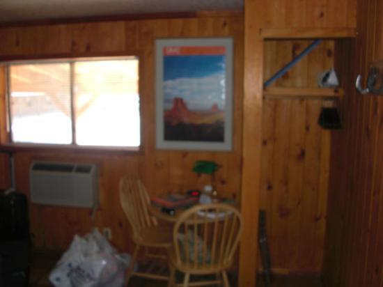 Red Stone Inn: petit espace salon 