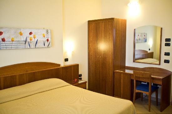 Hotel Lo Scacciapensieri: Double Room
