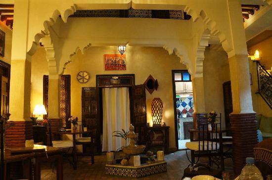 Riad Andalla: Lobby