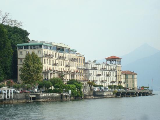 Grand Hotel Cadenabbia: Hotelansicht vom Comer See aus.