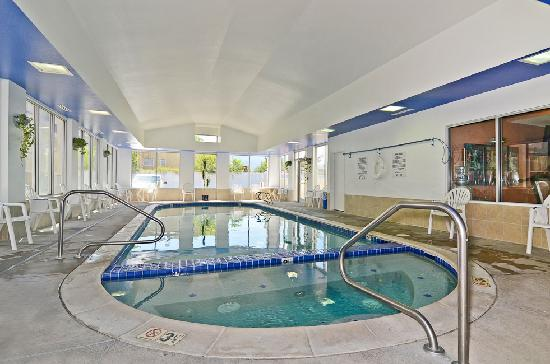 Best Western Executive Inn & Suites: Indoor Pool & Jacuzzi