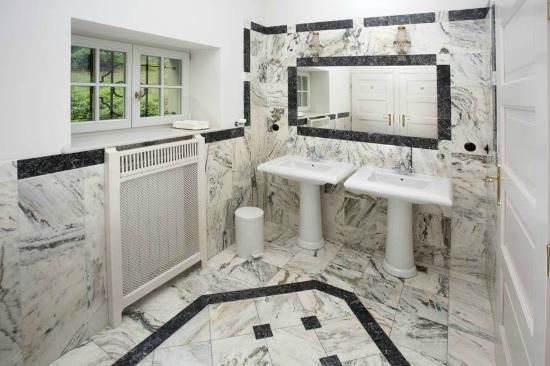 Villa Pepita & Villa Titina: Bathroom