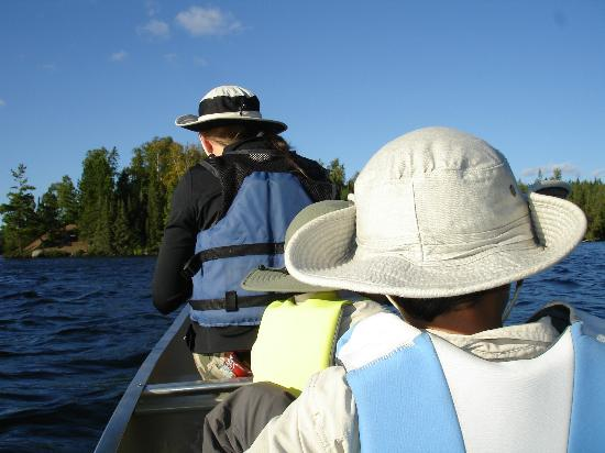 Gunflint Pines Resort & Campgrounds: Canoeing