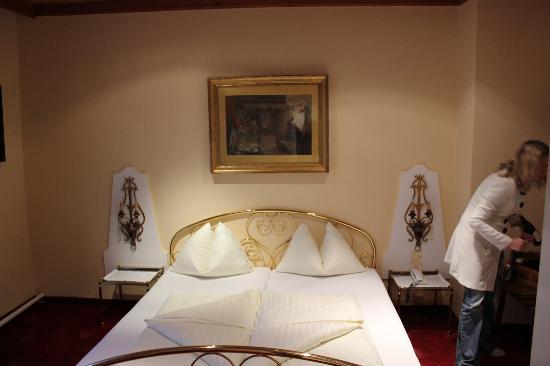 Hotel Krone: Bed