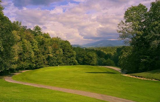 Laurel Valley Golf Course : Number 1 Green