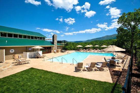 Laurel Valley Golf Course : Laurel Valley Swimming Pool