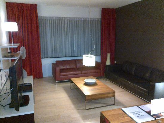 Htel Amsterdam: Living room