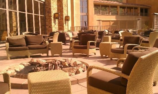 JW Marriott Tucson Starr Pass Resort & Spa: Lounge Area & Tequila Toast Area