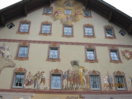 Alpenhotel Rieger: A building in Mittenwald