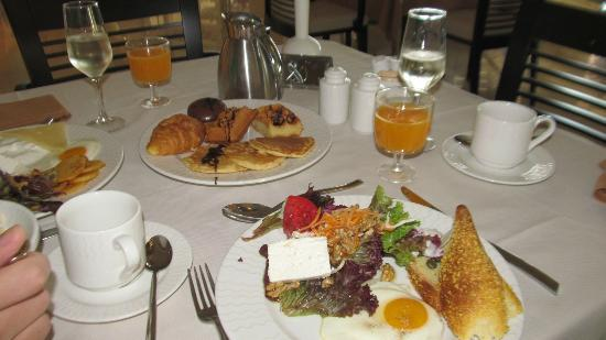 Elysium Resort & Spa: breakfast! :)
