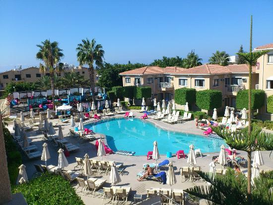The King Jason Paphos: Main pool area 