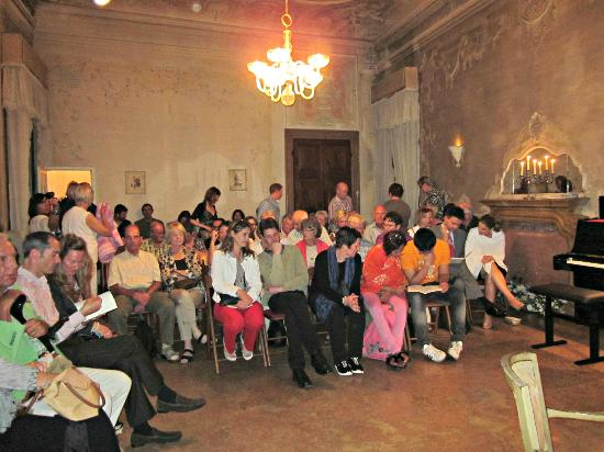 Musica A Palazzo: The guests at the Opera