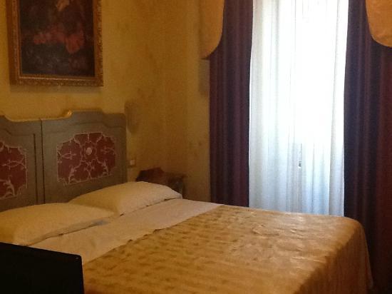 Hotel La Rosetta: stanza