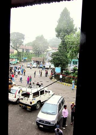 Tourist Hotel: View of the market (Gandhi Chowk) from our window