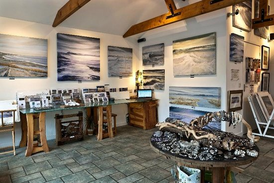 Craster, UK: The Mick Oxley Gallery
