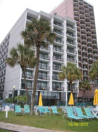 Dayton House Resort: North Building. View from beach
