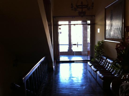 إل فيري بوتيك هوستال: Hotel Entrance