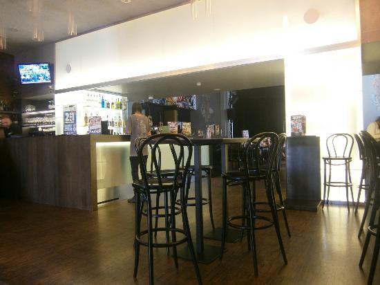 Mosaic House: Bar