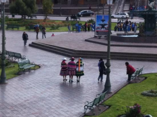El Virrey Boutique Hostal: Plaza de Armas
