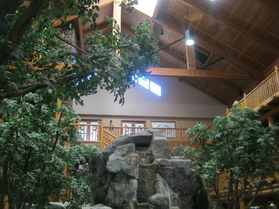 C'mon Inn: Lobby Area