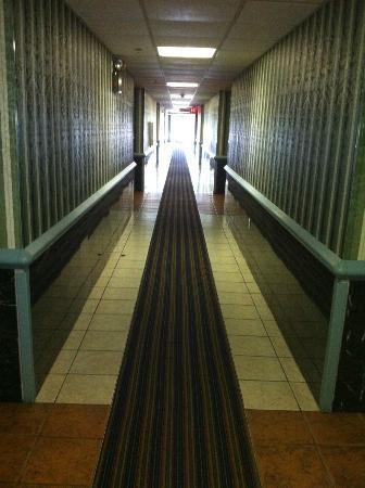 هوارد جونسون أتلانتيك سيتى ويست: passageway 