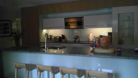 Santa Maria Suites Hotel: kitchen in flat suite