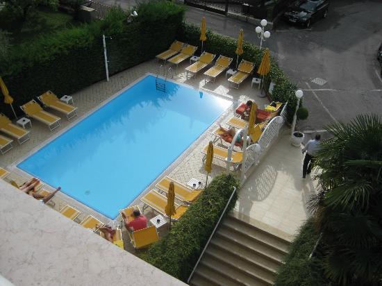 Hotel Gardenia & Villa Charme: hotel pool