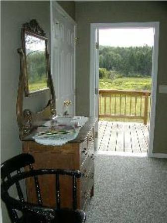 A Peace of Heaven Bed and Breakfast: Room 3 Ramp Door