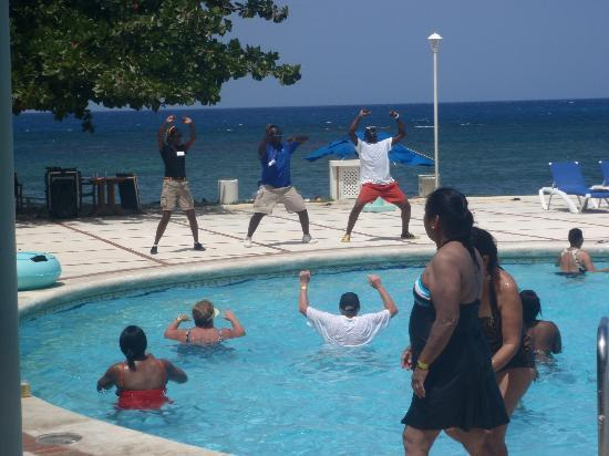 Sunscape Splash Montego Bay: Zumba at the pool