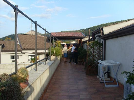 Bed & Breakfast MontAlbano: this is where you have your breakfast