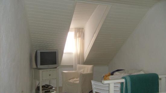 Libertas Apartments: Top floor bedroom