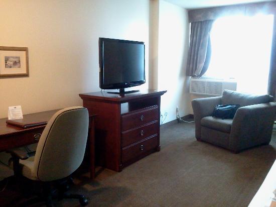 Hotel Faubourg Montreal: escritorio